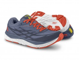 TOPO ATHLETIC MAGNIFLY 3